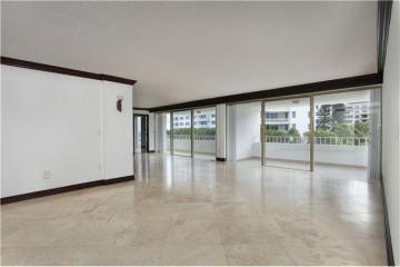 Home for Sale at 199 Ocean Ln Dr #303 #303, Key Biscayne FL 33149