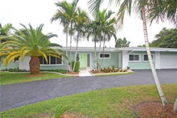 Home for Sale at 12501 SW 62 Av, Pinecrest FL 33156