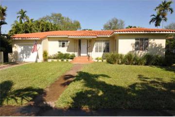 Home for Sale at 555 NE 93 St, Miami Shores FL 33138