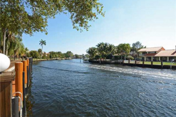Home for Sale at 1110 SE 4th St, Fort Lauderdale FL 33301