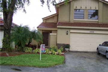 Home for Sale at 17338 NW 63 Pl, Hialeah FL 33015