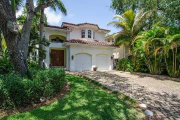Home for Sale at 3643 Royal Palm Av, Miami FL 33133