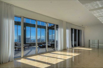 Home for Sale at 495 Brickell Av #PH5705 #PH5705, Miami FL 33131