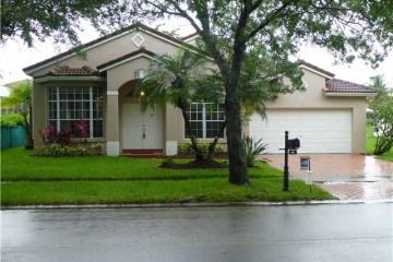 Home for Sale at 960 NW 184th Pl, Pembroke Pines FL 33029