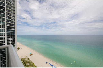Home for Sale at 18101 Collins Av #Spa209, Sunny Isles Beach FL 33160