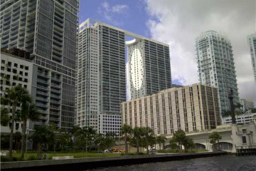Home for Rent at 500 Brickell Ave #3207, Miami FL 33131