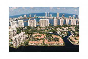 Home for Sale at 1000 Island Bl #2807 #2807, Aventura FL 33160