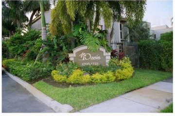 Home for Sale at 4714 SW 67 Av #C-2 #C-2, Miami FL 33155