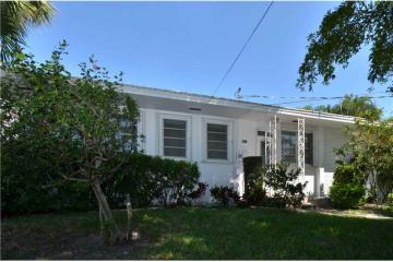 Home for Sale at 3217 SE 11th St #11e, Pompano Beach FL 33062