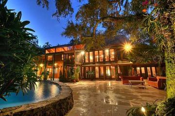 Home for Sale at 4060 Kiaora St, Coconut Grove FL 33133