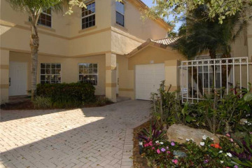 Home for Sale at 821 NW 170th Te #821, Pembroke Pines FL 33028