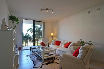 Home for Sale at 888 Douglas Rd #1009, Coral Gables FL 33134