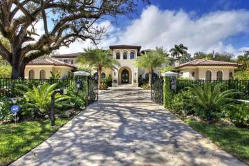Home for Sale at 9030 SW 60 Av, Pinecrest FL 33156