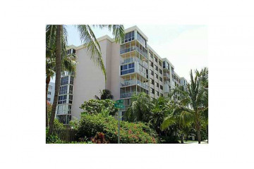 Home for Sale at 550 Ocean Dr #4d #4D, Key Biscayne FL 33149