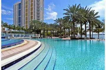 Home for Sale at Miami Beach Condo/co-op/villa/townhouse, Miami Beach FL 33139