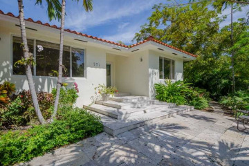 Home for Sale at 101 Hampton Ln, Key Biscayne FL 33149