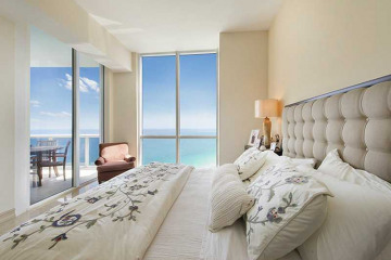 Home for Sale at 18101 Collins Av #PH5304, Sunny Isles Beach FL 33160