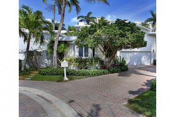 Home for Sale at 8 Coconut Ln, Key Biscayne FL 33149