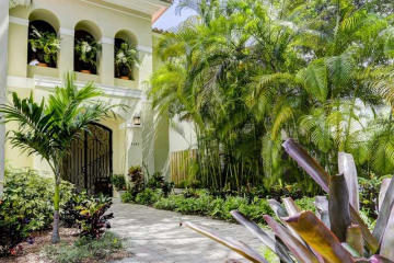 Home for Sale at 4047 Ensenada Av, Coconut Grove FL 33133