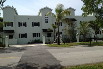 Home for Rent at 5838 Devonshire Bl #C #C, Miami FL 33155