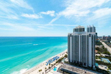 Home for Sale at 18911 Collins Av #2605 #2605, Sunny Isles Beach FL 33160