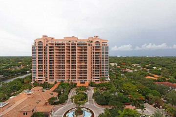 Home for Sale at 10 Edgewater Dr #14f, Coral Gables FL 33133
