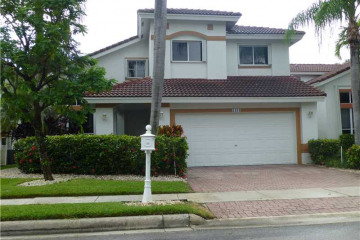 Home for Sale at 1181 Bel Aire Dr, Pembroke Pines FL 33027