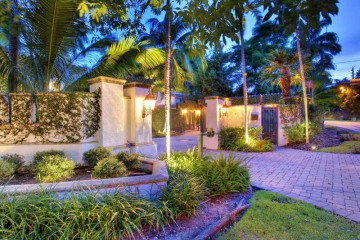 Home for Sale at 2100 Tigertail Av, Coconut Grove FL 33133