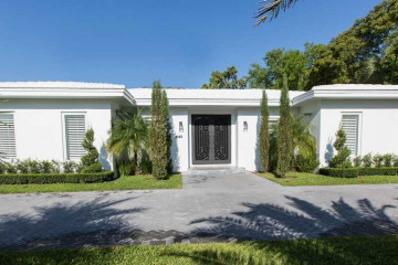 Home for Sale at 4420 Bay Point Rd, Miami FL 33137