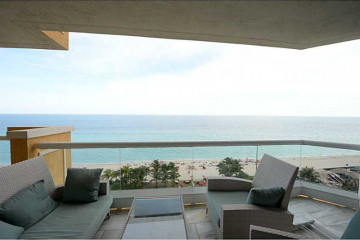 Home for Sale at 17875 Collins Av #1202, Sunny Isles Beach FL 33160