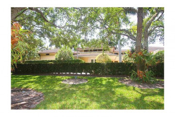 Home for Sale at 650 Casuarina Conc, Coral Gables FL 33143
