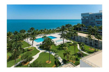 Home for Sale at 881 Ocean Dr #7g, Key Biscayne FL 33149