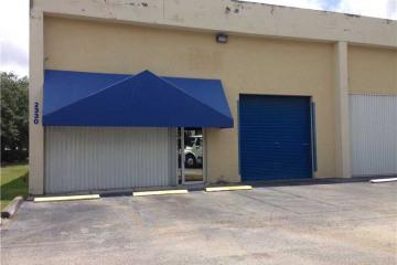 Home for Sale at 2330 NW 102 Av, Doral FL 33172