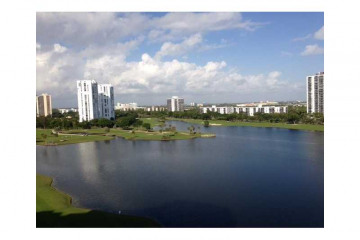 Home for Sale at 20000 E Country Club Dr #1110 #1110, Aventura FL 33180