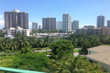 Home for Sale at 19900 E Country Club Dr #501 #501, Aventura FL 33180