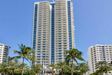Home for Sale at 3101 S Ocean Dr #501 #501, Hollywood FL 33019