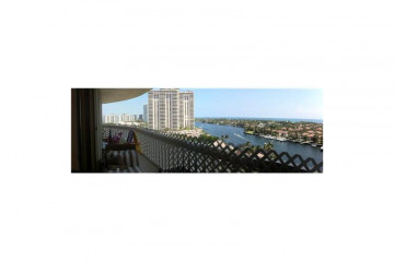 Home for Sale at Aventura Condo/co-op/villa/townhouse, Aventura FL 33180
