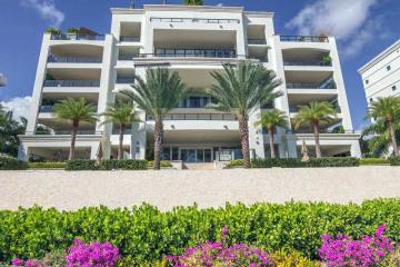 Home for Sale at 3535 Hiawatha Av #305, Coconut Grove FL 33133