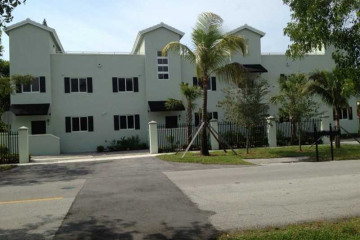 Home for Rent at 5838 Devonshire Bl #D, Miami FL 33155