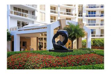 Home for Sale at 901 Brickell Key Bl #3002 #3002, Miami FL 33131