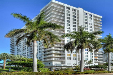 Home for Sale at 2751 S Ocean Dr #N1501, Hollywood FL 33019
