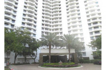Home for Sale at 3300 NE 192 St #403, Aventura FL 33180