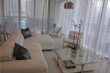 Home for Sale at Miami Condo/co-op/villa/townhouse, Miami FL 33131