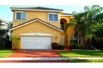 Home for Sale at 16366 SW 14 St, Pembroke Pines FL 33027