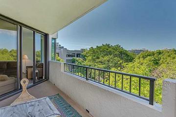 Home for Sale at 181 Crandon Bl #404 #404, Key Biscayne FL 33149