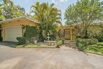 Home for Sale at 1520 Lugo Av, Coral Gables FL 33156