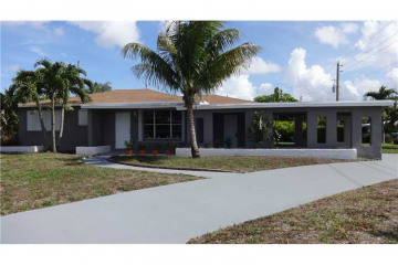 Home for Sale at 2224 Rodman St, Hollywood FL 33020