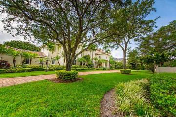 Home for Sale at 10845 SW 62 Av, Pinecrest FL 33156