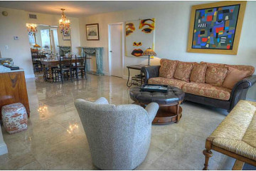 Home for Sale at 100 Bayview Dr #621 #621, Sunny Isles Beach FL 33160
