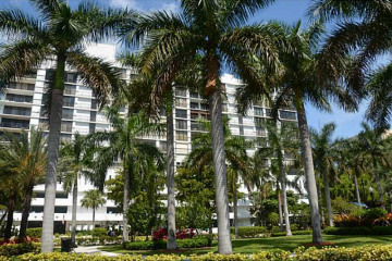 Home for Sale at 17720 N Bay Rd #905 #905, Sunny Isles Beach FL 33160